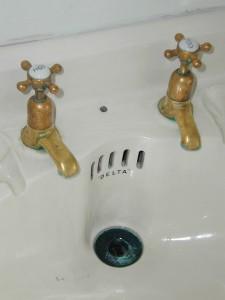 Washing Cashmere Sink